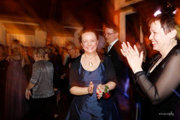 OSYN:n juhla huipentui tanssiin. Valokuvaaja Noora Slotte, Studio P.S.V.