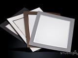 Pohjukkeiden värit 20x25 cm kuville ovat musta, luonnonvalkoinen, ruskea ja harmaa. Luonnollisesti voit valita itse, millaiset pohjukkeet kuviisi  laitamme.
