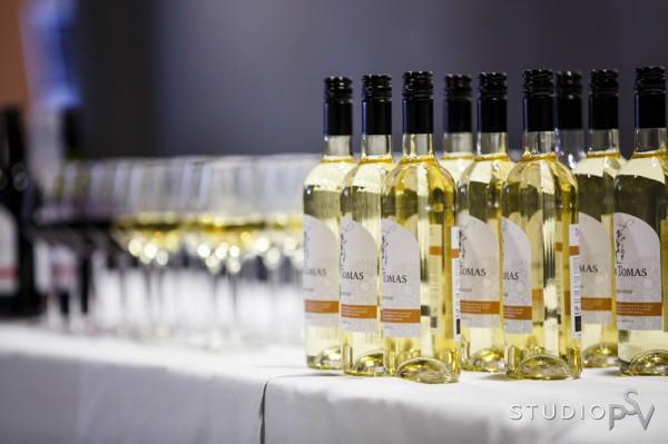 Gaala-iltaan kuuluu hyvä viini. Kuva Niko Raappana / Studio P.S.V.