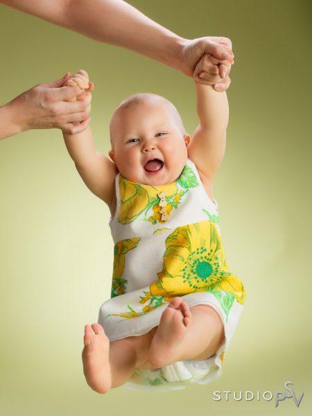 Pienen riemua lapsikuvauksessa, joka etenee PSV:llä aina lapsen ehdoilla, leikin lomassa.