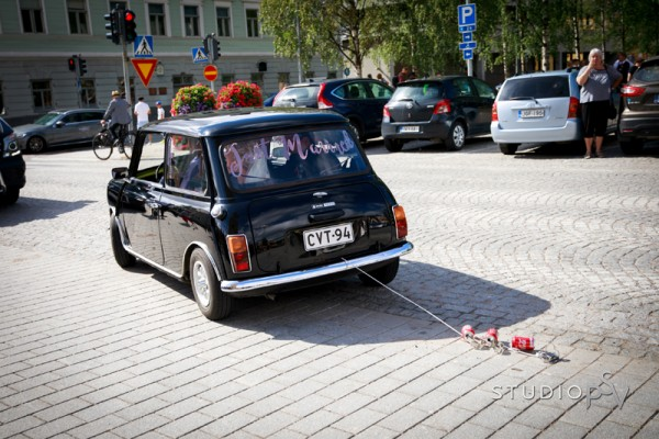 Hauska hääauto. Valokuvaaja Noora Slotte, Studio P.S.V.